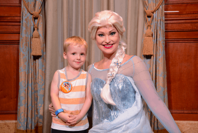 Elsa Frozen Disney World