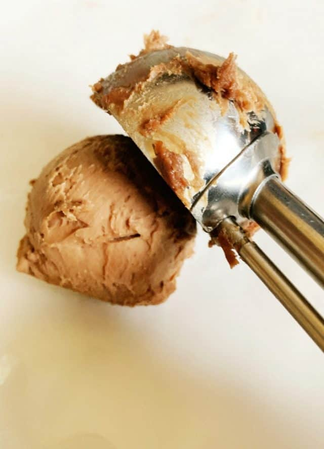 scoop to serve chocolate cheesecake fat bombs