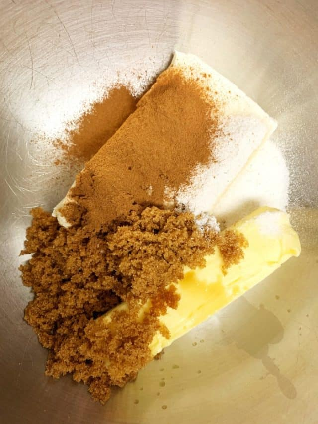 ingredients for cinnamon roll fat bomb
