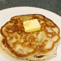 Low Carb Pancakes with Cinnamon and Flax