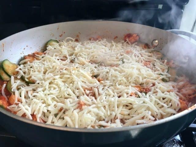 chicken marinara with zucchini