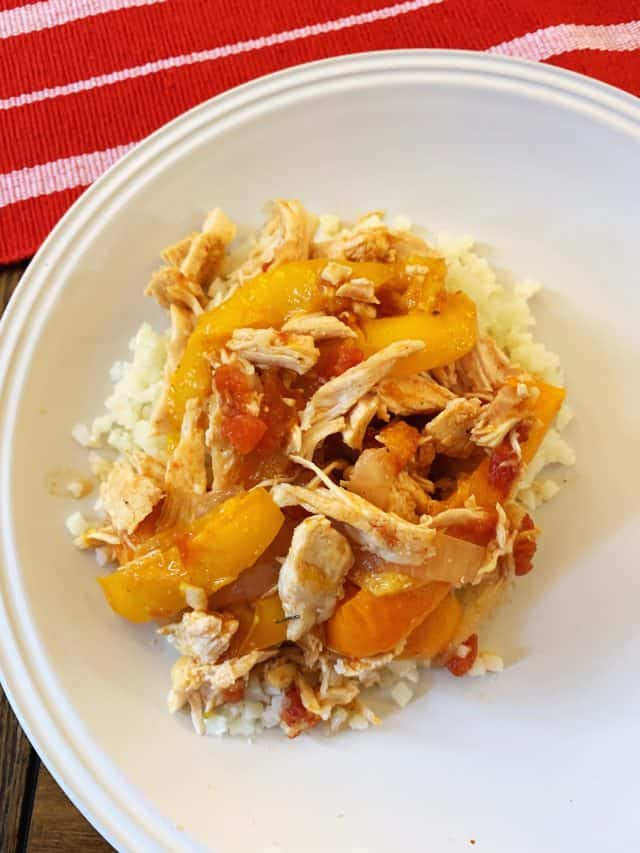 serving of chicken fajitas in instant pot