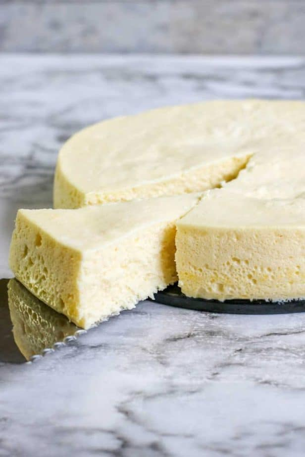 Low Carb Instant Pot Cheesecake sliced